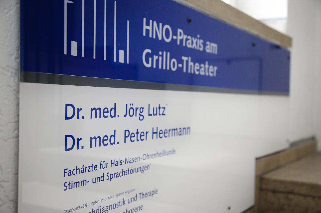 HNO-Lutz Praxisschild